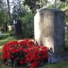 visit war graves